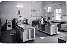 Black and white photo of a kitchen